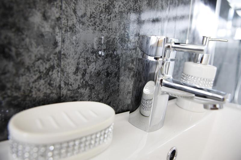 PVC Bathroom Panelling